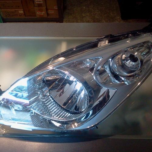 Suzuki Splash - Bal oldali első fényszóró 35320-51K00-000 39900Ft