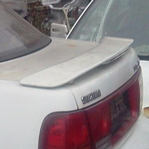 Suzuki Swift Sedán Hátsó szárny  10000Ft