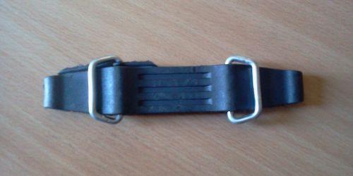 Teherautó akkumulátor borítás leszorító gumi pánt 14 cm-es. 1990Ft