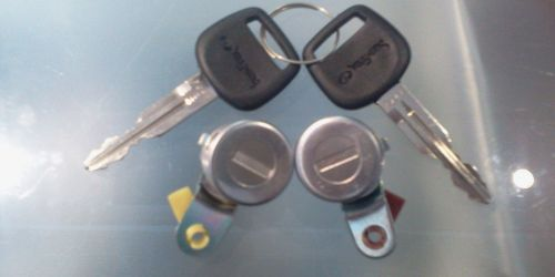 1996-2003 Suzuki Swift Bal és jobb oldali első ajtózár (zárbetét, 2 kulcsos)  7900Ft