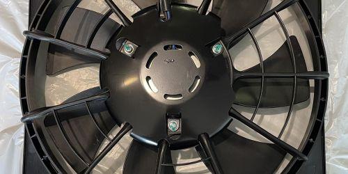Suzuki SX4 - Klímahűtő Ventilátor /Komplett/ Ventilátor lapát, keret, motorral. Minőségi utángyártott alkatrész. Keret mérete: 365mm X 375mm 29990Ft